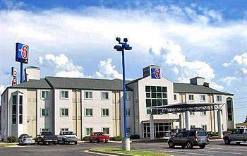 Motel 6_thumb.jpg